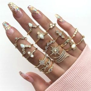 17 pcs Bohemian Style Diamond Set Ring Jewelry